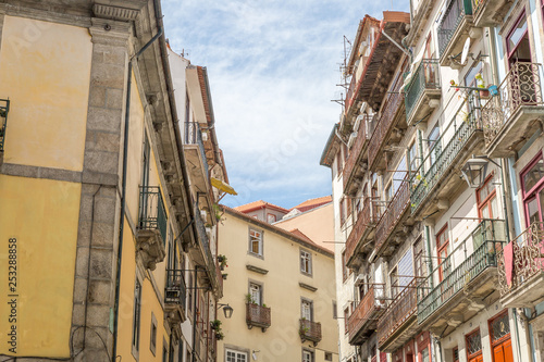 In de dag Havana Typical street of old houses in the beautiful city of Porto