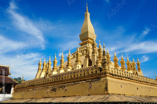 Foto  Pha That Luang Temple in Vientiane, Laos
