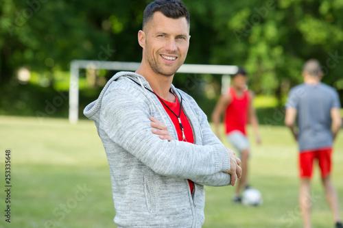 Foto portrait of handsome male football coach