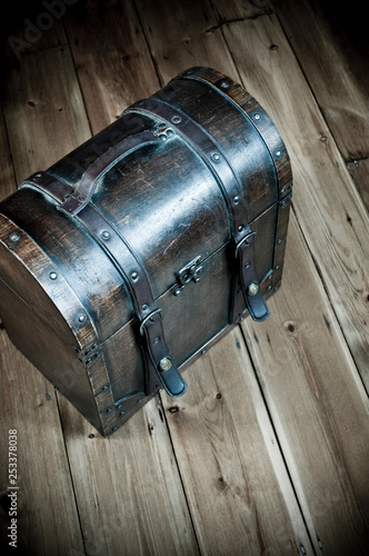 Photographie  Old-fashioned suitcase