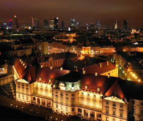 FototapetaAerial view of the royal castle in the old town at night, Warsaw, Poland