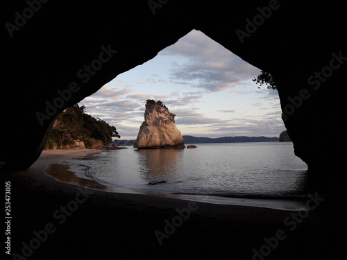 Montage in der Fensternische Cathedral Cove Catedral Cove New Zealand