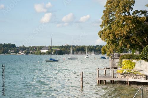 Fotografie, Obraz  see attersee mit segelbooten baden urlaub ferien region