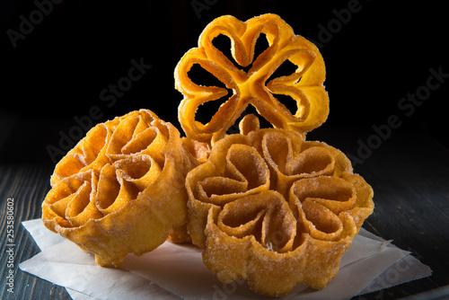 Flores de carnaval, dulce tradicional español