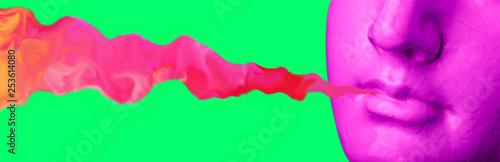 Dym z ust purpurowe antyczne rzeźby na tle retro vaporwave. Kolaż sztuki współczesnej.