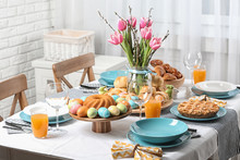 Festive Easter Table Setting W...