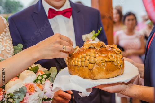 Fototapeta Powitanie Młodej Pary chlebem i solą obraz