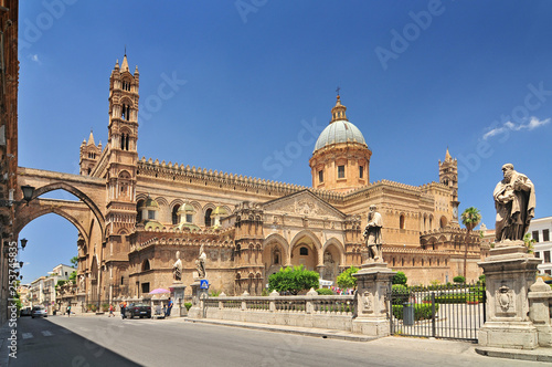 Foto auf Gartenposter Palermo Palermo Cathedral is the cathedral church of the Roman Catholic Archdiocese of Palermo located in Palermo Sicily southern Italy.