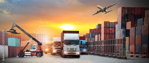 Fényképezés  image of the logistics, there are container truck,  airplane for import export