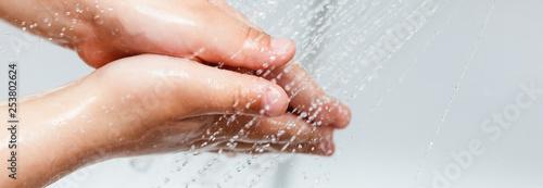 Fotografía  Handwashing kid sink