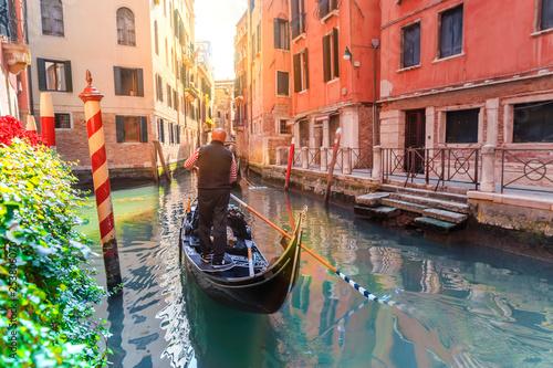 Türaufkleber Gondeln Venice, Italy. Scenic canal with gondola in Venice