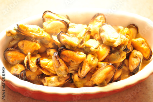 Fotografia, Obraz  Bowl Filled with Fresh Steamed Mussel Meat