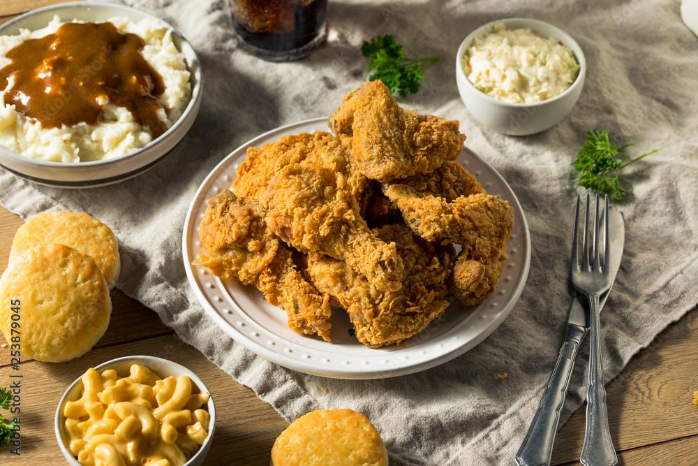 Obraz Homemade Southern Fried Chicken Dinner fototapeta, plakat