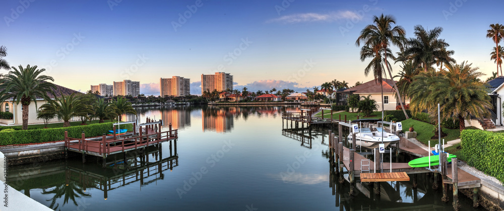 Fototapety, obrazy: Riverway that leads to the ocean on Marco Island