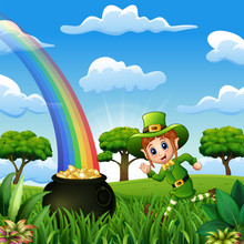 Cartoon Leprechaun Girl Runnin...