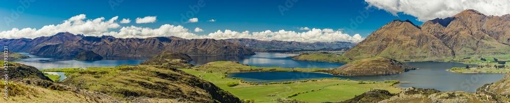 Fototapeta Rocky Mountain and Diamond Lake in the Mt Aspiring National Park, Wanaka, New Zealand
