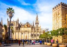 Cathédrale Et La Giralda à Séville En Andalousie, Espagne