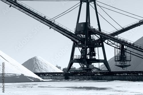 układanie maszyn w sól
