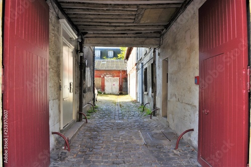 Fotografie, Obraz  パリ郊外 ヴェルサイユ 光庭の通路