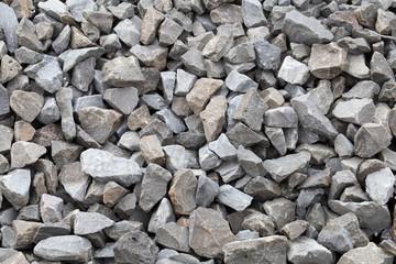 Kamień. Materiały budowlane z kruszonego kamienia.