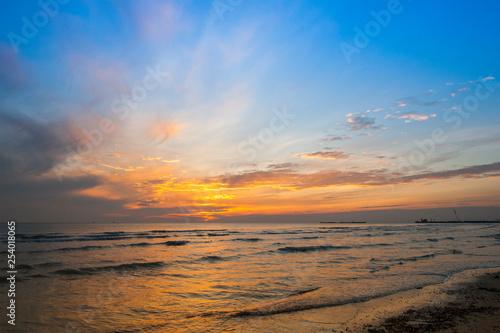 Foto  Alba sul mare