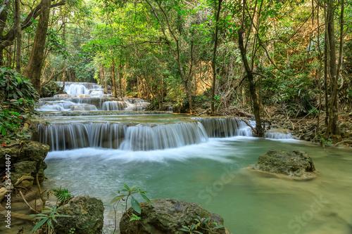 Spoed Foto op Canvas Grijze traf. Huai Mae Khamin Waterfall tier 1, Khuean Srinagarindra National Park, Kanchanaburi, Thailand
