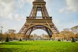 Fototapeta Fototapety z wieżą Eiffla - Eiffel tower seen from Champ de Mars in Paris