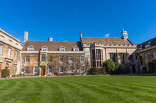 Cambridge City, England - Stunning Courtyards And Impresive Architecture In Springtime