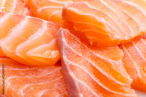 Fotografia  atlantic salmon salmo salar flesh orange to red slices close up view popular foo
