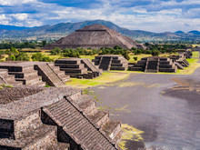 Stunning View Of Teotihuacan P...
