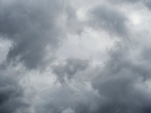 Grey Sky, Cloudy Background, Changeable Weather Natural Clouds. Overcast But Beautiful, Dramatic Sky Effect.