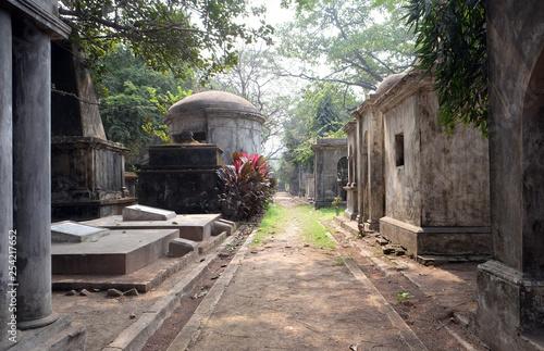 Fotografia Kolkata Park Street Cemetery, inaugurated 1767