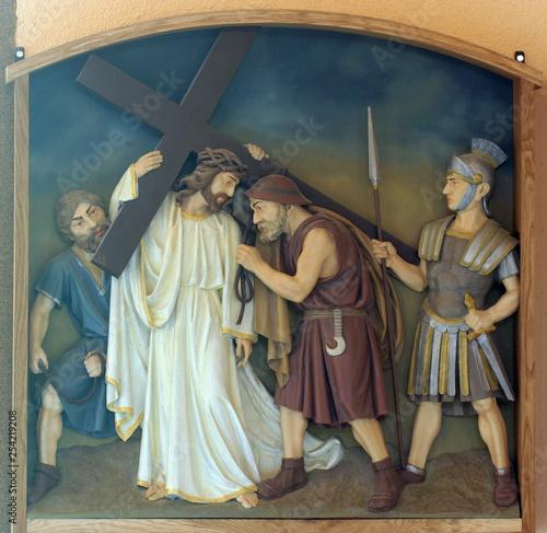 Fototapeta 5th Stations of the Cross, Simon of Cyrene carries the cross, Church of the Bles