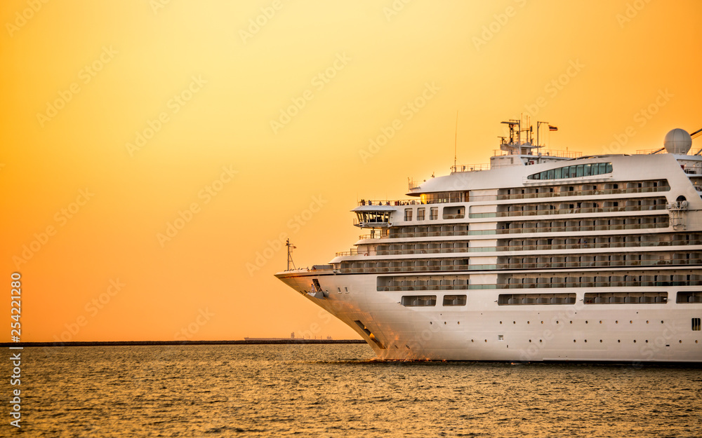 Fototapety, obrazy: cruise liner ship with sunset