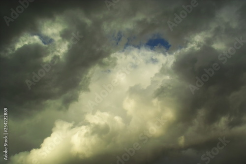Montage in der Fensternische Darknightsky cloudy stormy atmosphere weather scenic view