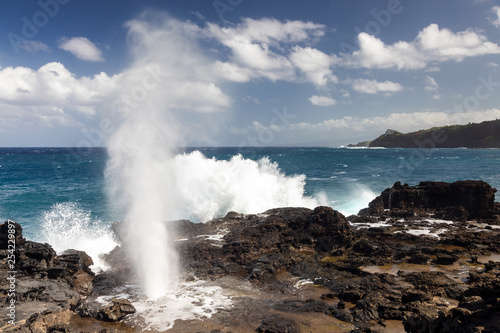 Photo  Nakalele Blowhole on the northern coast of Maui