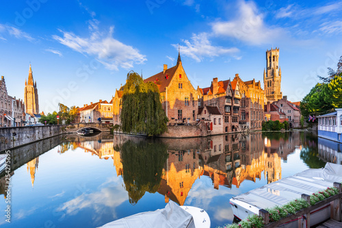 Foto op Aluminium Brugge Bruges, Belgium. The Rozenhoedkaai canal in Bruges with the Belfry in the background.