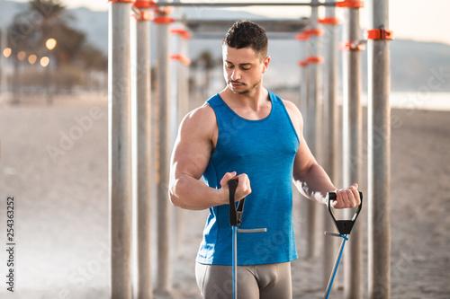 hombre haciendo deporte en la calle Canvas Print