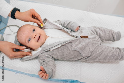 Photo Hearing Test baby , Cortical auditory evoked potential analyzer