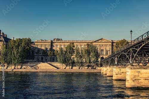 Louvre museum in afternoon in Paris Fototapet
