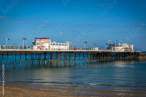 Photographie  Worthing Pier, a Grade II listed building opened in 1862, Worthing, West Sussex,