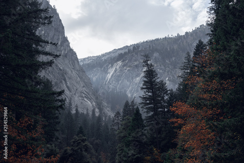 Beautiful landscape along the Mist Trail in Yosemite National Park in autumn Wallpaper Mural