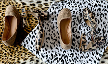 Layered Color And Black And White Leopard Print Clothing