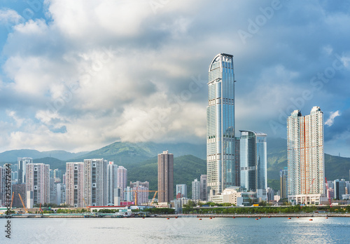 Fotografía  Skyline and harbor of Hong Kong City