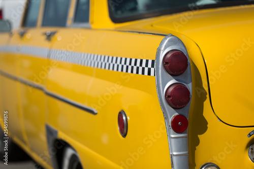 tył świateł tylnych taksówek