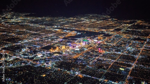 In de dag Las Vegas night view of Las Vegas city from airplane