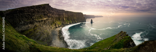 La pose en embrasure Campagne Cliff of Moher, Ireland