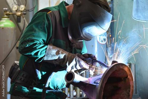 Foto op Aluminium Hoogte schaal Schweißer im Stahlbau // Welders in steel construction