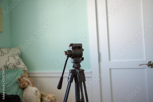 Fototapeta Camera tripod interior obraz na płótnie