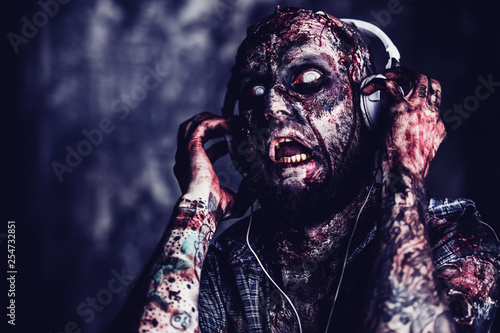 Foto  monster and music